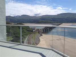 Bal 2 Silver Glass Balustrade in Snowdonia