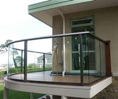 Curved aerofoil balustrade with Royal Chrome handrail and posts
