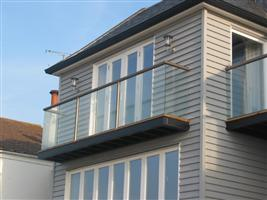 balcony glass in kent