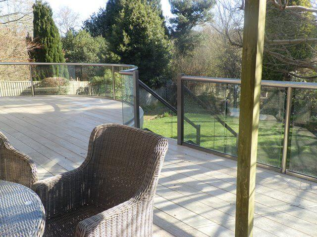how to fix balustrade to decking