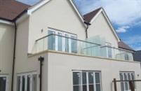 One of the first installations of Balconette's Hybrid® Aerofoil system with Infinity Screens at an exclusive new build project in Suffolk has won praise from the developers for its 'elegance, strength and ease of installation'.