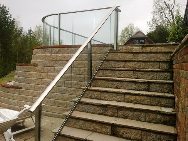 Aluminium handrail finish