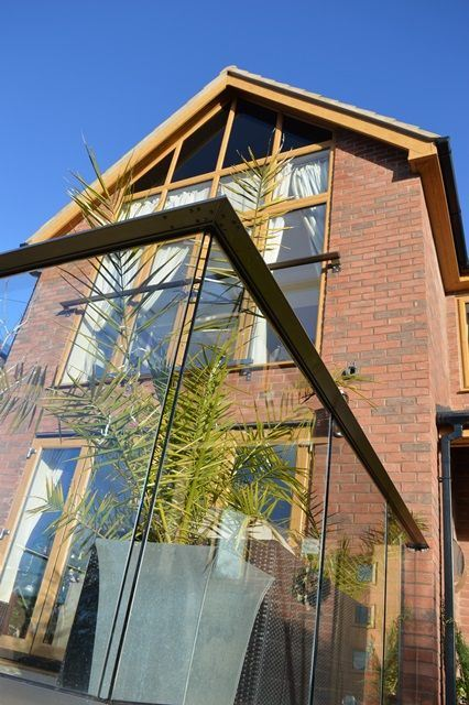 glass balustrade and glass balcony