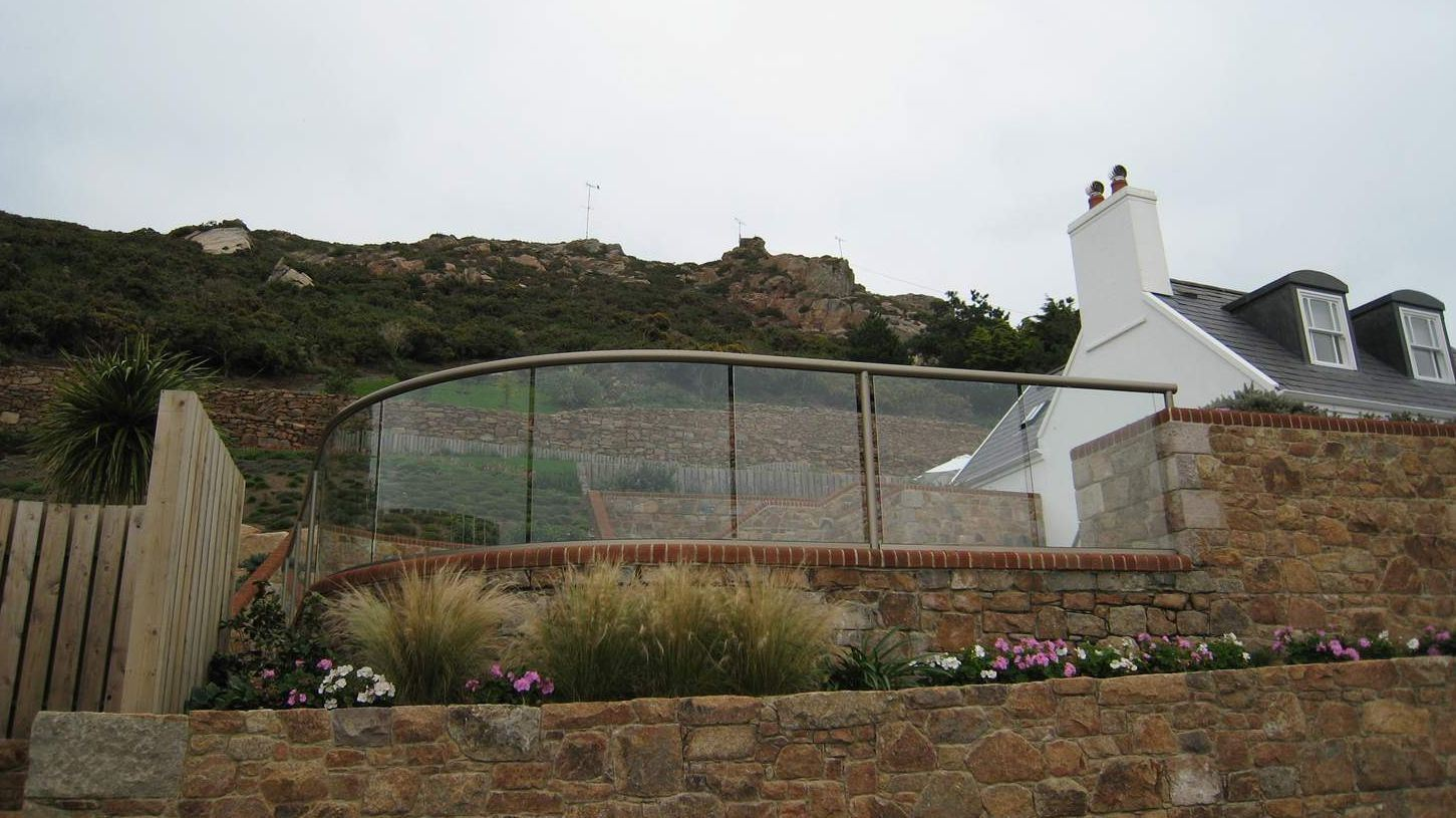 Curved Glass Balustrade Fencing