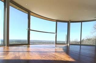 Fresh air from curved patio doors