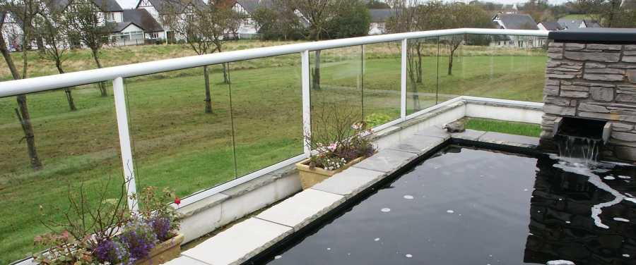 Wide White Glass Balustrade