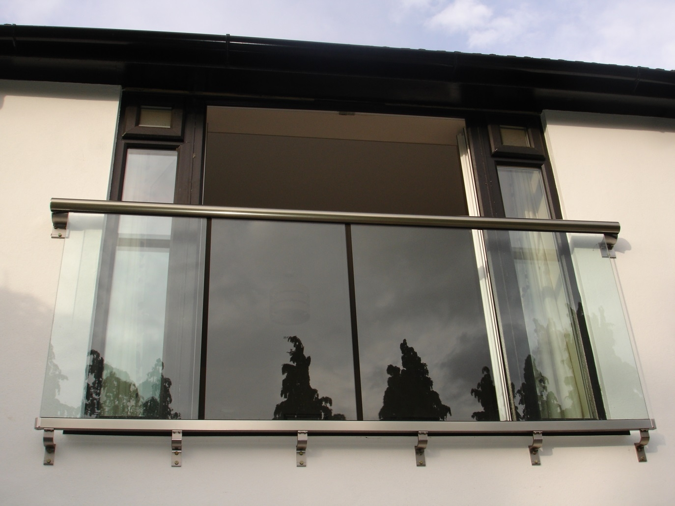 Juliette balcony glass for sale balcony systems for Balcony with glass