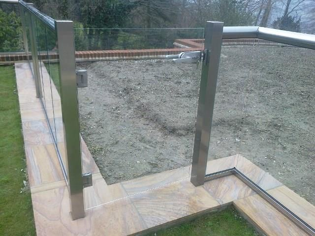frameless glass gate