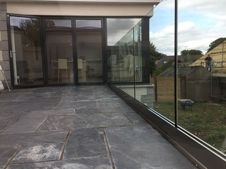 frameless track and glass