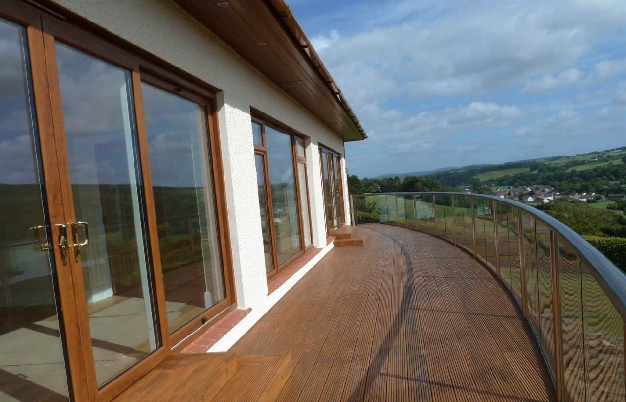 Royal Chrome Glass Balustrade Handrail
